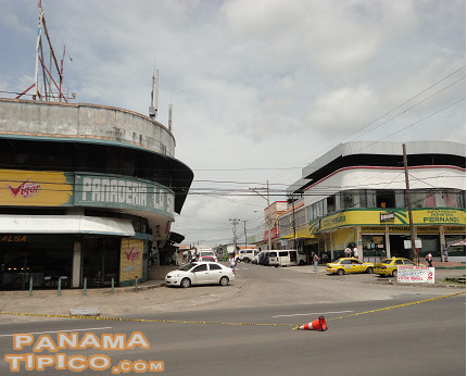 [The commercial area of Capira is the first thing you notice after arriving at the town from Panama City.]