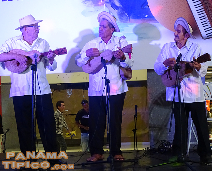 [Our folk music was present as Juan Andres Castillo, Efrain Gutierrez and Toñito Rudas performed and received their awards.]