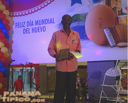 [Mr. Pastor Perea, an athlete and community leader, was another of the award receivers.]
