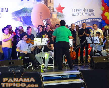 [The Polyphonic Choir of Panama performed for the audience at the end of the event.]
