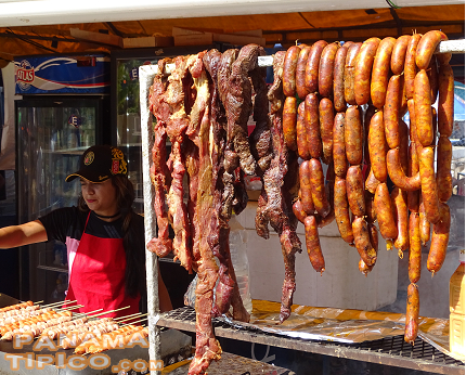 [Sausage, sun-dried meat and other traditional foods were sold in small restaurants known as fondas.]