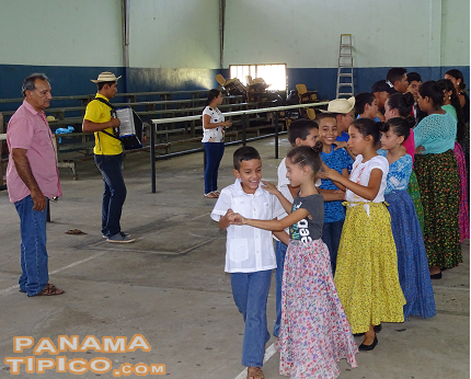 [Meanwhile, the dance practices were taking place, under the supervision of Mr. Pastor Falconett, from Guarare.]