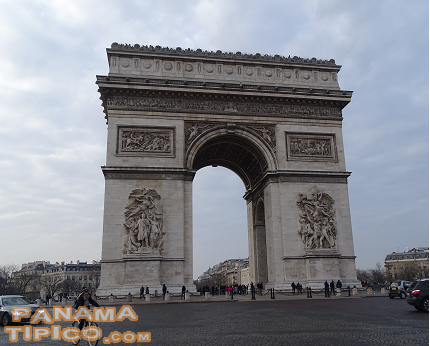 [Another emblematic monument of the French capital is the Arc de Triomphe.]