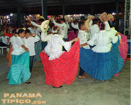 [The Azuero Fair is also one of the main cultural venues of the region, hosting folk dance performances such as this one by the Folklore Academy of Guarare.]