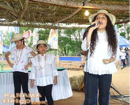 [Then, the decima kids were back. Here we see Yarisel Chavez (left) with the previously mentioned fellow singers.]