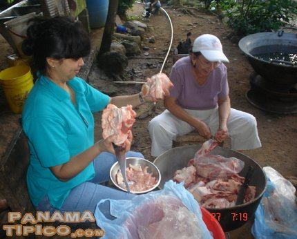 [Women work also at the junta, but they are tasked with the very important job of preparing the meals for the workers.]