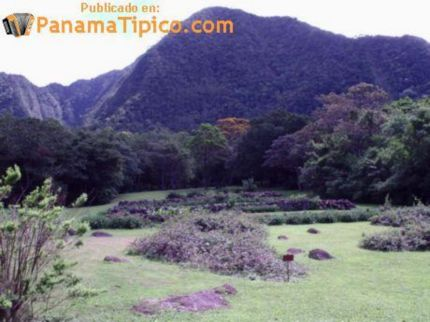 [The zoo is by El Gaital, the highest point of El Valle.]